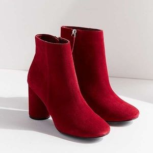 Urban Outfitters Booties - Sabrina Round Heel